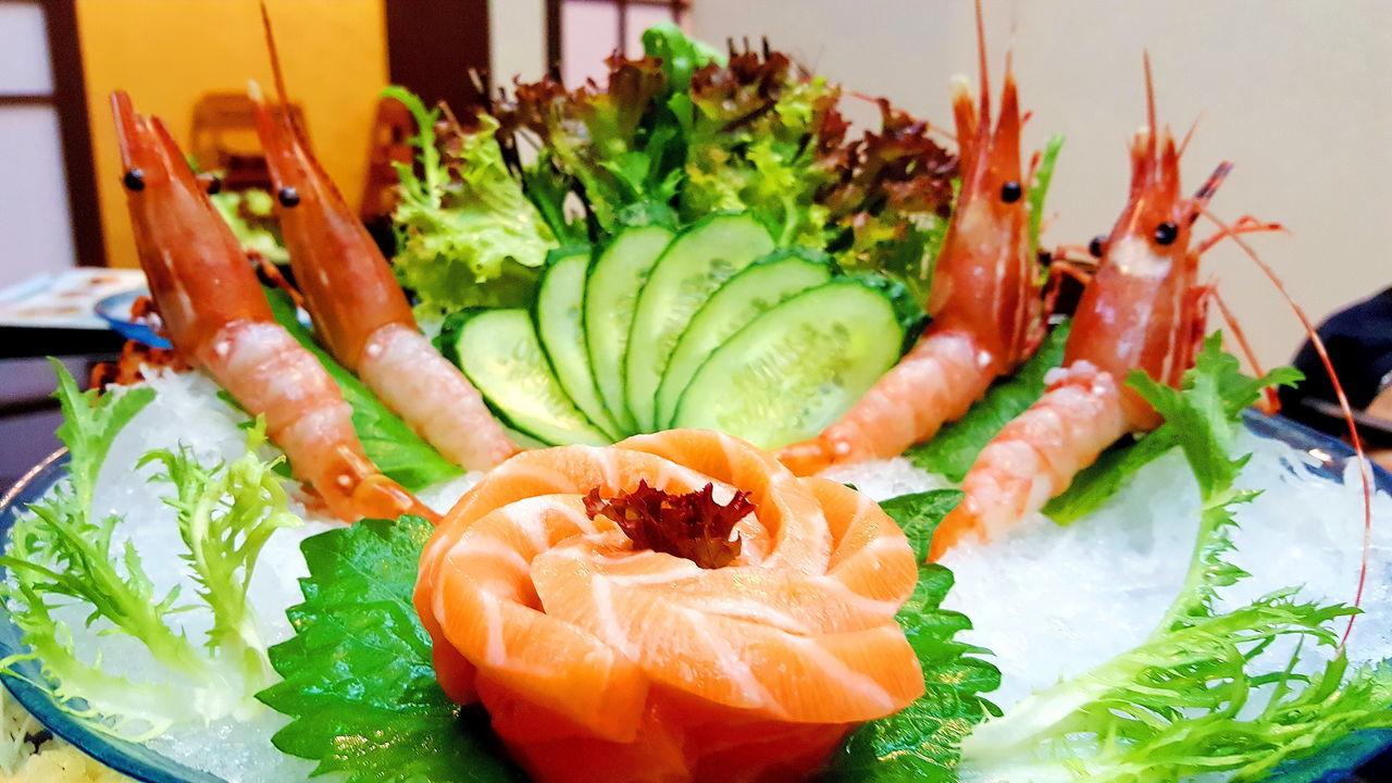 Fresh Raw Prawns in Dongguan Japanese Restaurant Fresh Prawn Freshness Healthy Eating Prawns Ready-to-eat Salmon Sashimi Sashimi  Seafood ShareTheMeal
