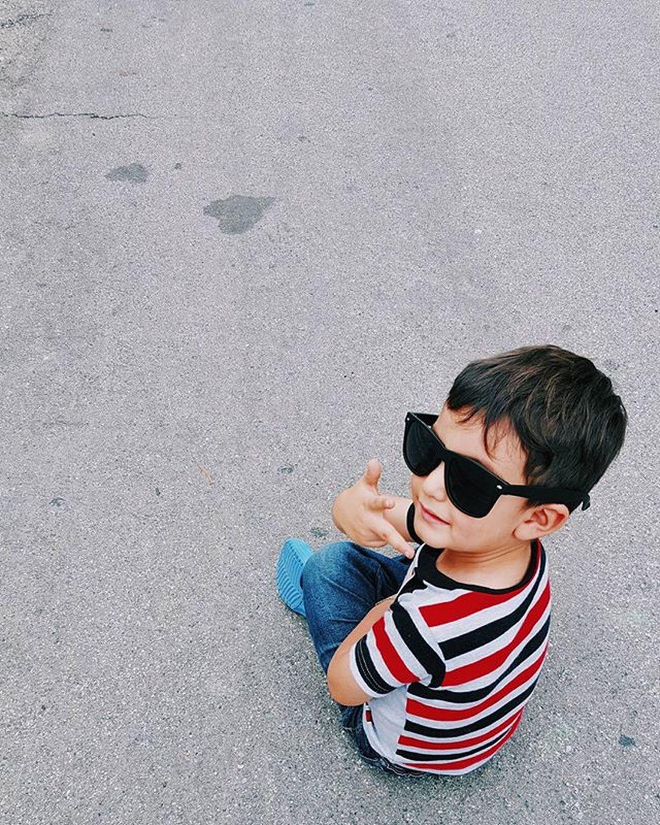 Here comes the cool Kid. Shades Hipster Montebello Urban Cool Kids Happy