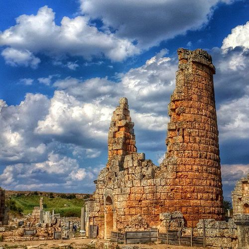 Amazing perge... Perge Greek Rome Civiliation Antalya Turkey Antique City History Architecture Art Nature Stone Cloud Sun Cloudporn Sky Crazyclouds Acropolis Hellenistic  Ancient Age Heritage Instagood Instamood landscape photoofday summer
