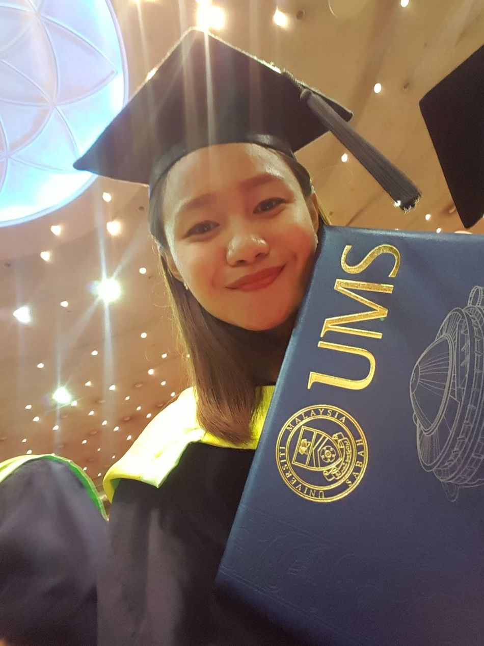 Finally changing my status from student to fresh graduate and unemployed. But I believe God already prepared something good for me all I need is ask and work for it. #GraduationDay #selfie #UMS Happiness Smiling