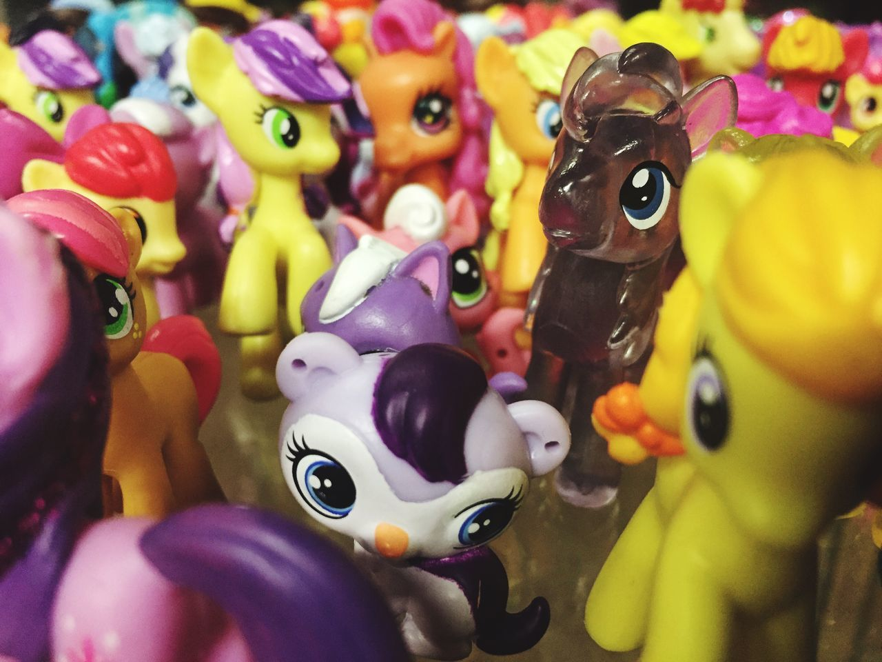 animal representation, toy, multi colored, for sale, variation, no people, amusement park, close-up, choice, arts culture and entertainment, childhood, large group of objects, indoors, day