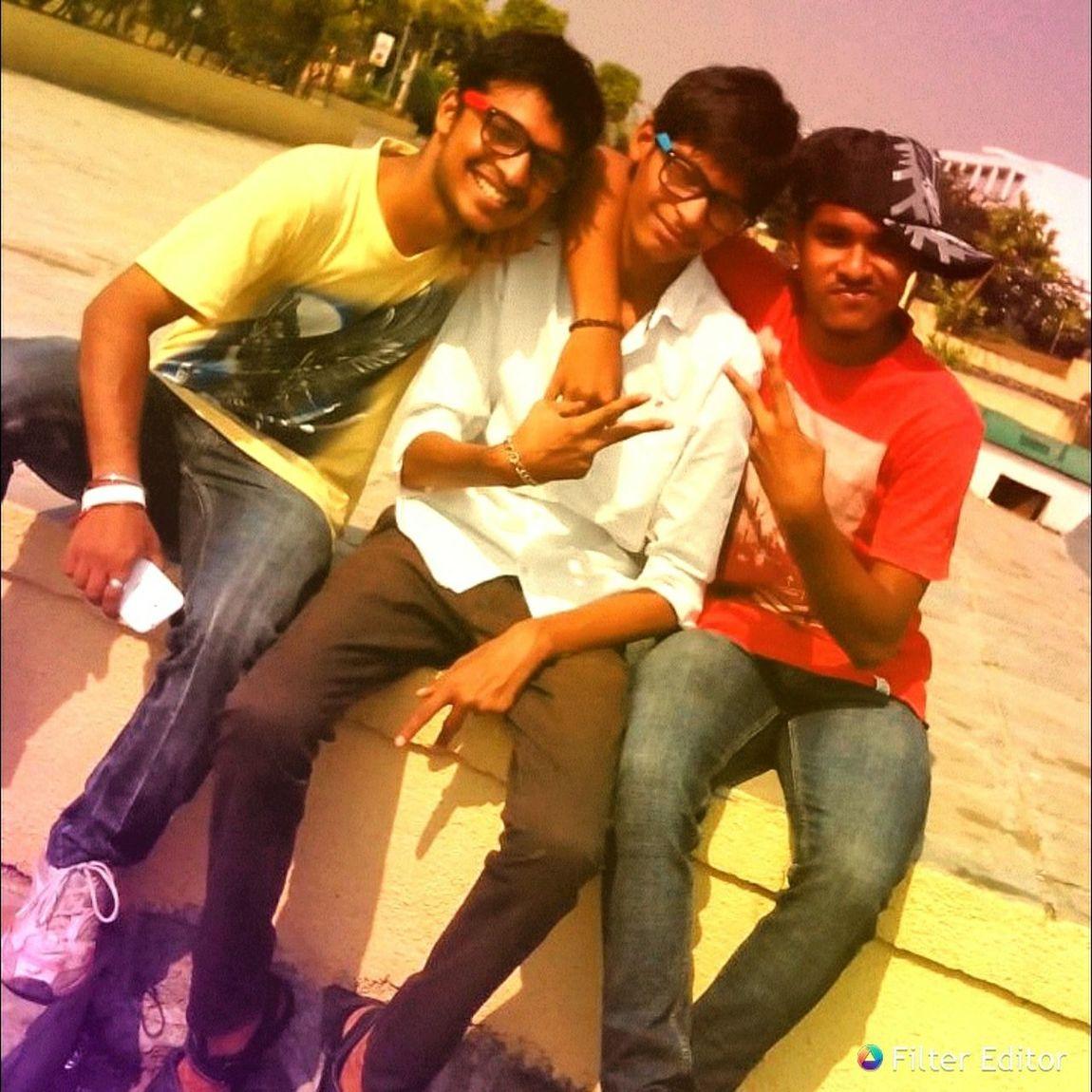 Lotsoffun With Friends