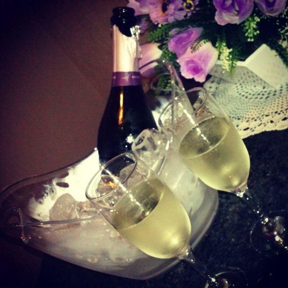 Ontem  Champagne Comemorando Namoro amorlindo teamo quesejaeterno
