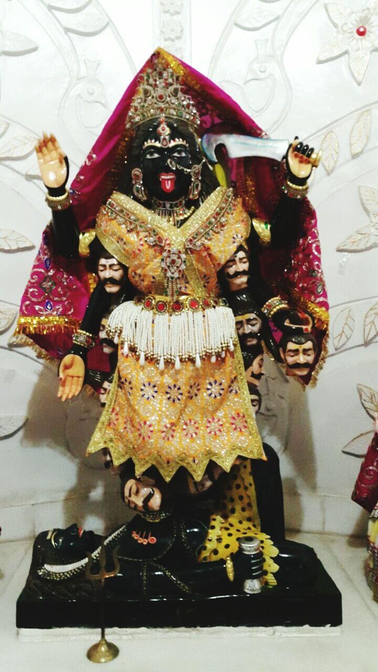 Varaidhamgoldentemple Kalimaa Goddess Yellow Pearls India Festival Occasion Palanpur Deesahighway
