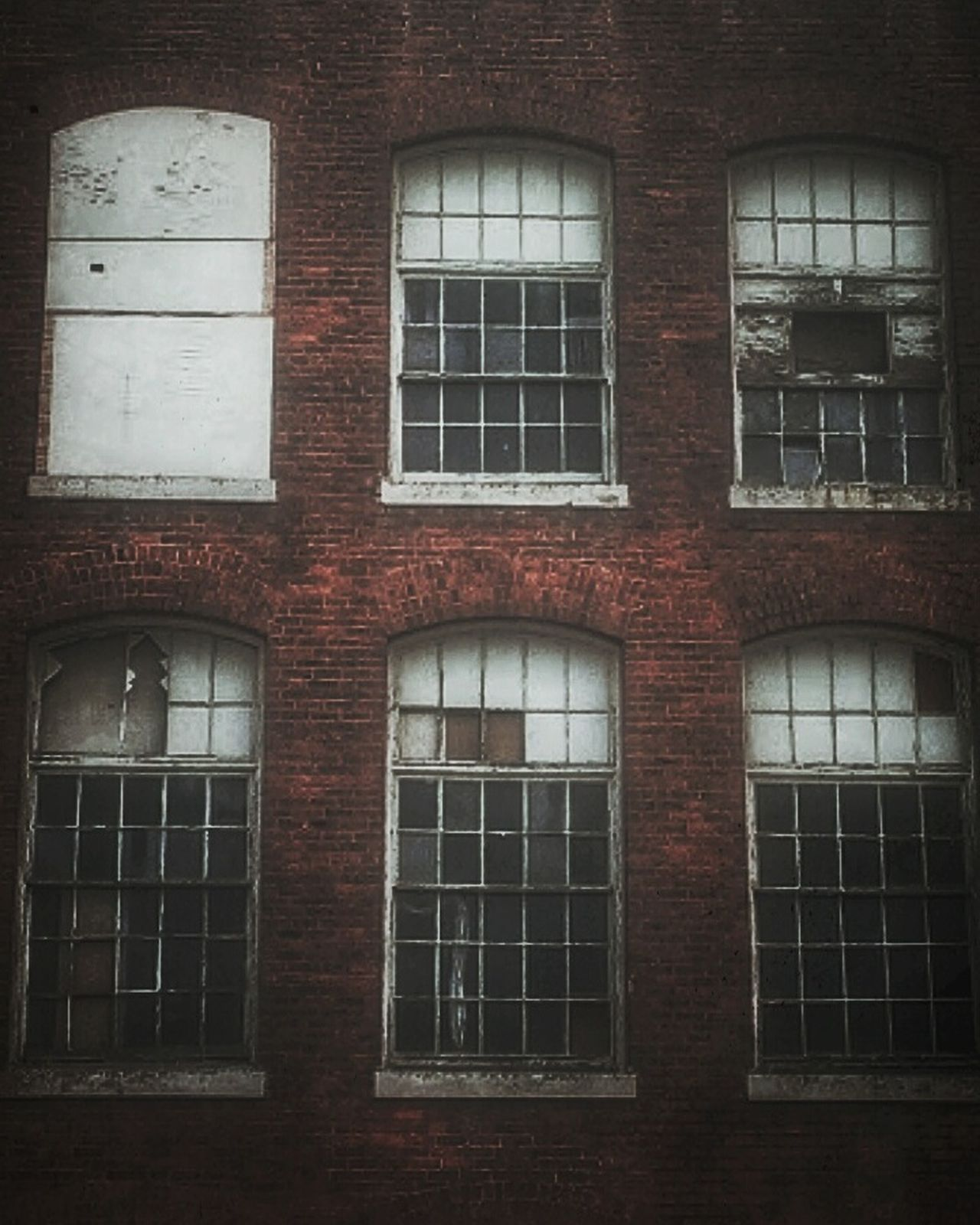 Come Together...Right now...Over me... -- The Beatles Window Architecture Architecture Creepy Houses AMPt - My Perspective Creepy Building Built Structure Abandoned Urbanphotography Broken Window AMPt - Street EyeEm Gallery Abandoned Buildings Building Exterior Weathered Urbexphotography Creepy Atmoshpere Bad Condition Brick Wall BOB Brick Old Building Brickporn EyeEm_abandonment