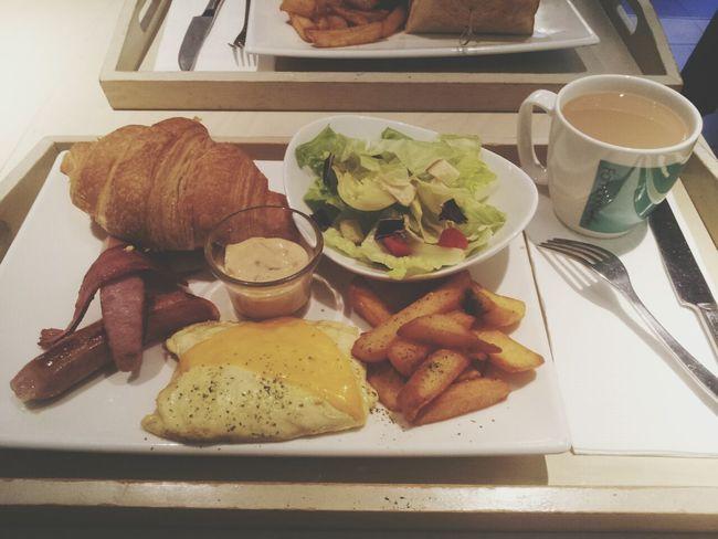 可頌 Egg Frenchfrice Coffee