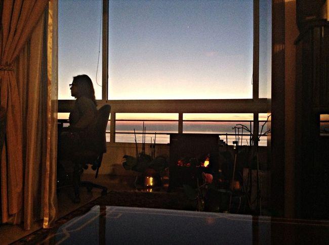 Profile Horizons Silhouette Reflection