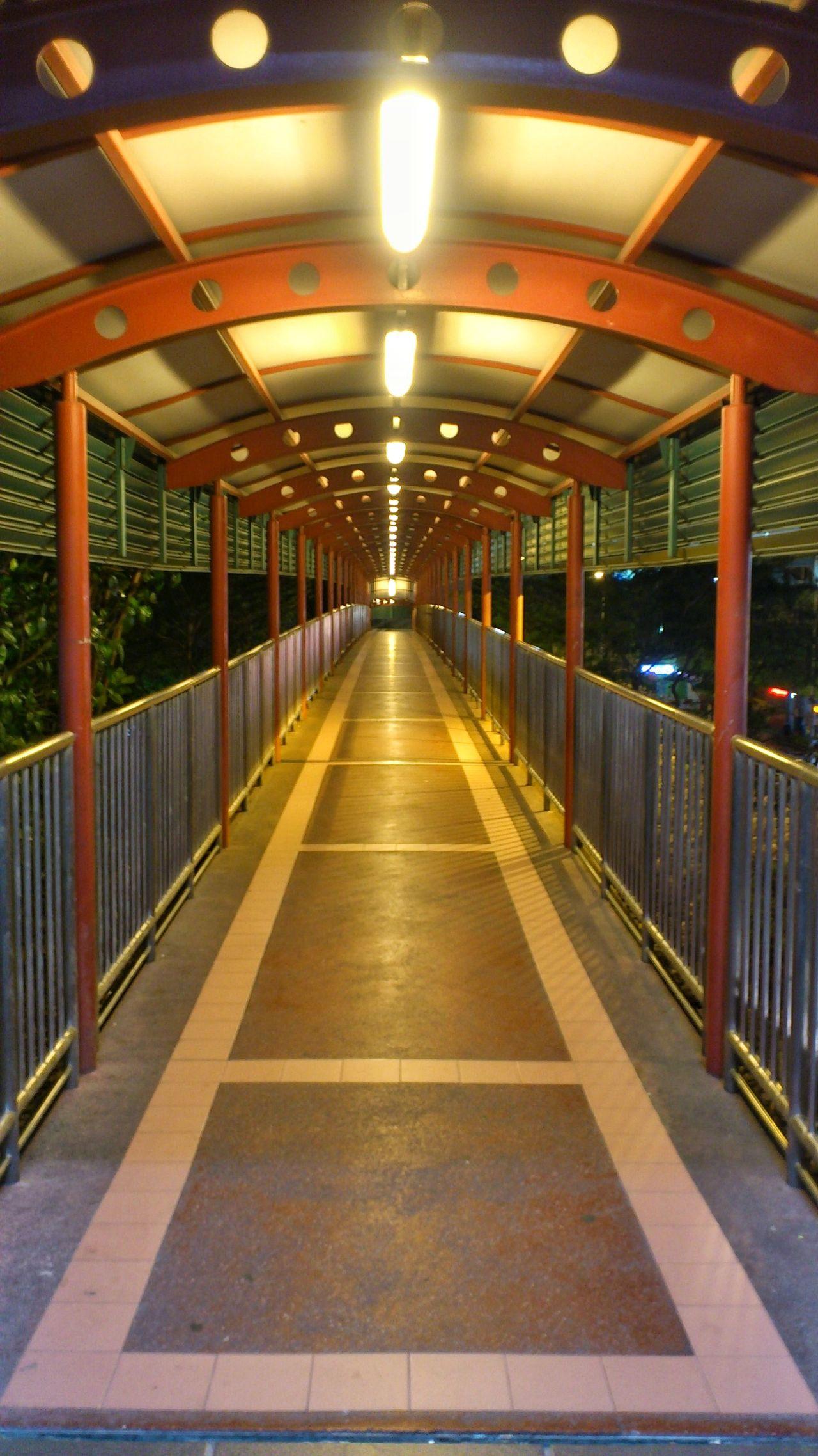 Overhead bridge between Eu Tong Sen Stree (People's Park Shopping) & Chinatown Food Court. Snapseed Connection Bridge Nightshot Nightlights Bridge - Man Made Structure Smartphonephotography Sonyxperiaphotography Mobilephotography Nightphotography