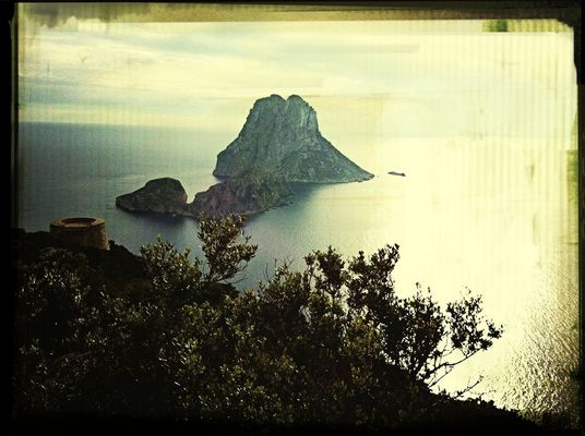 Taking Photos at Es Vedrá by Hugo Martos Guasch