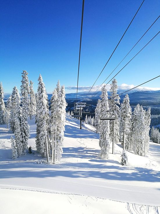 Everyday commute Northstar Ski Resort Skiing Snow ❄ Snowboarding Winter Sports Winter Wonderland White Out Conditions Bluebird Day Paradise