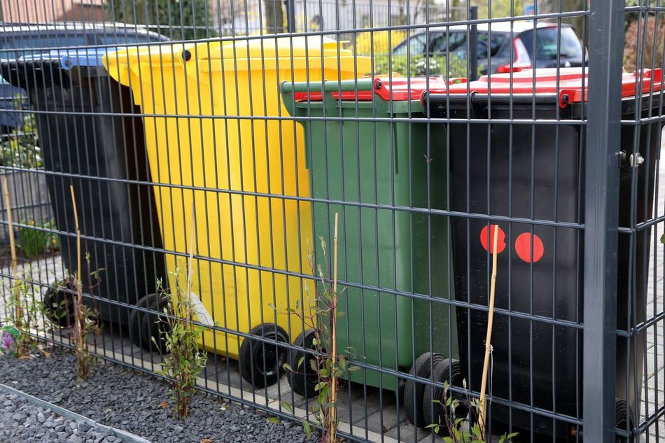 Recycle Recycling Recycled Materials Recycling Materials Garbage Can Garbage Cans Private Home Mülltrennung Müll Trennen Separate Garbage Removal