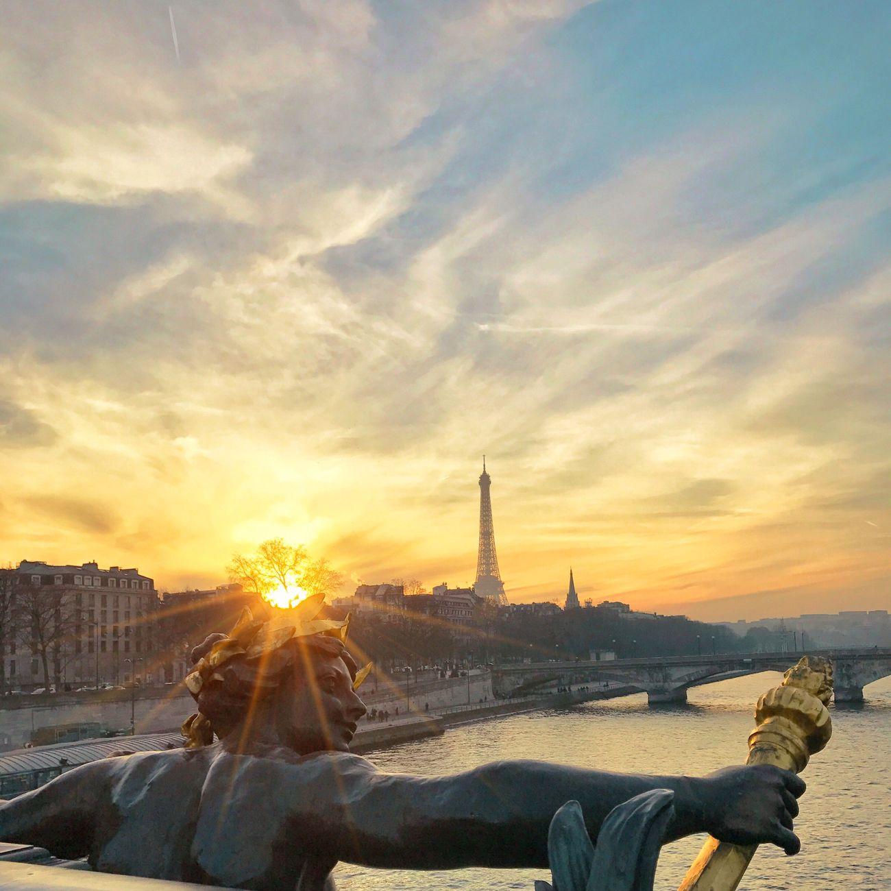 Good Evening Paris! Bonsoir Paris! Sunset Travel Destinations Cloud - Sky Photooftheday Paris EyeEm Best Shots Parisweloveyou Paris ❤ Tour Eiffel Eiffel Tower