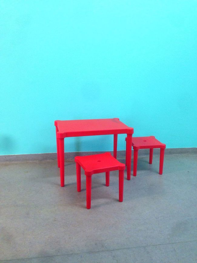 Mayor Doing Paper Still Life Taking Photos Light And Shadow Table Chair Minimalism Blue Red For Kids Waiting
