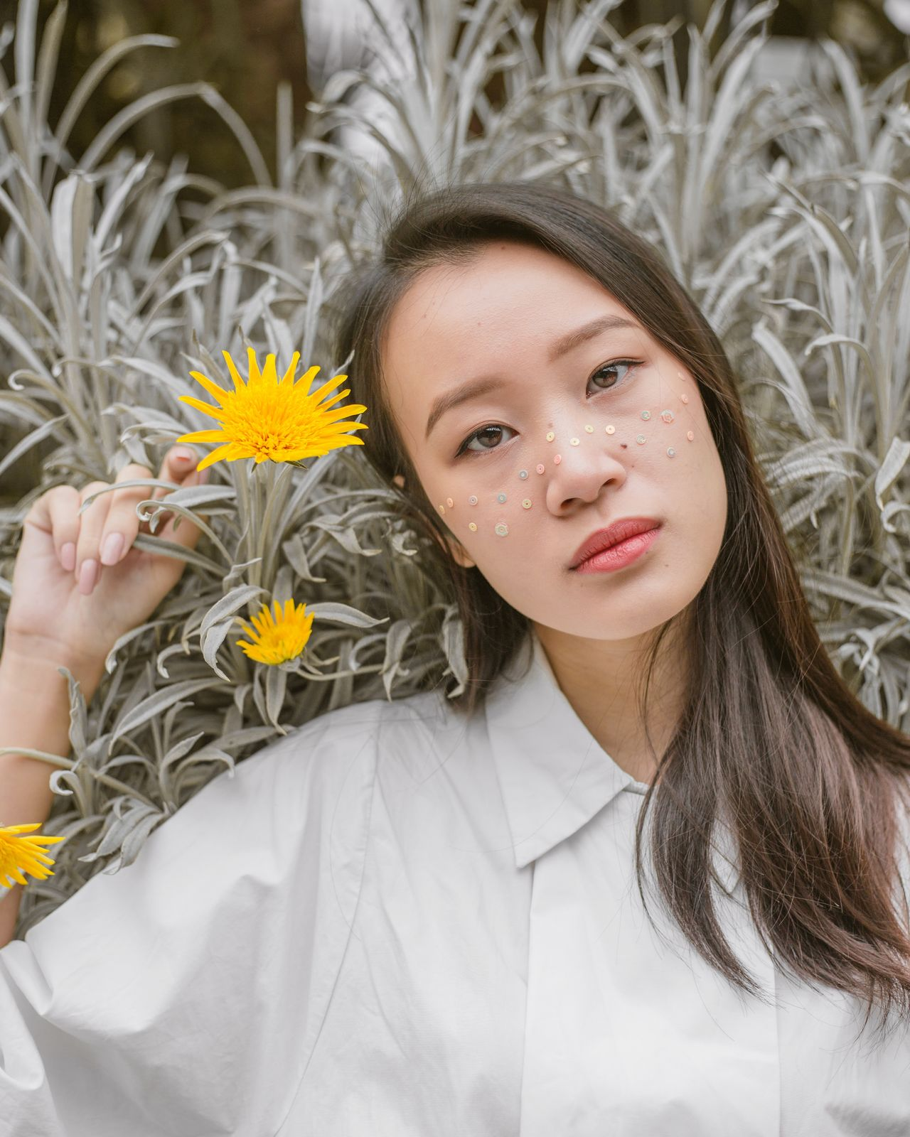 new work with hwee Flower One Woman Only Headshot Fragility Close-up Beautiful People Portraits Of EyeEm Women Around The World Beauty In Nature Natural Light Portrait Fashion Glitter Beauty Sequin Outdoors Sequins Women Of EyeEm