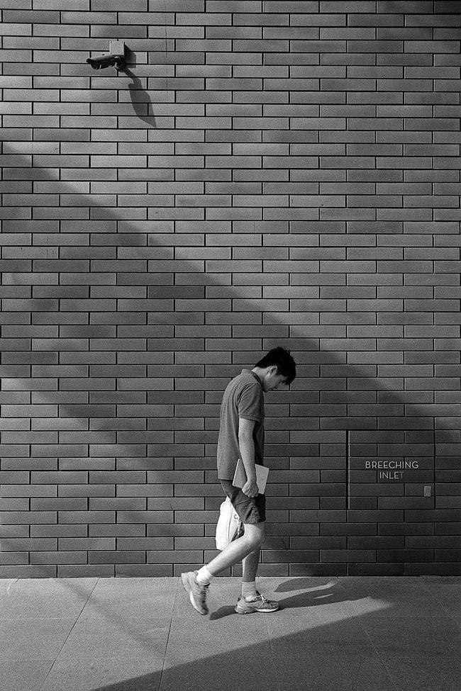 400TX Analog Analogue Analogue Photography Backgrounds Black And White Blackandwhite Bnw Film Filmphotography Full Frame Kodak Kodak Tri-X 400 Leica Leica M6 Leicam6 Pattern Shadow Singapore Singapore Streets Street Street Photography Streetphotography Tri-X Wall
