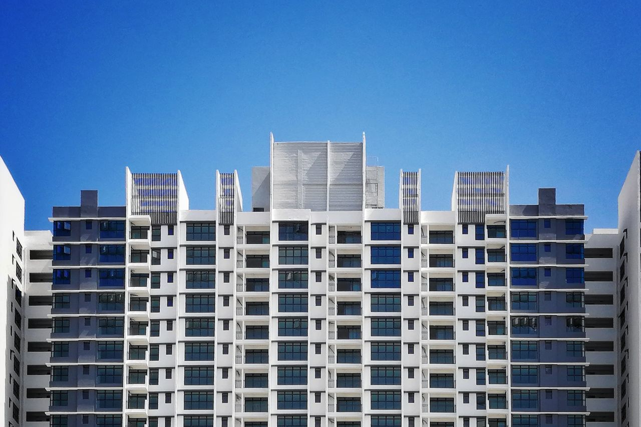 architecture, building exterior, built structure, skyscraper, city, clear sky, no people, apartment, window, day, residential building, modern, outdoors, blue, low angle view, cityscape, urban skyline