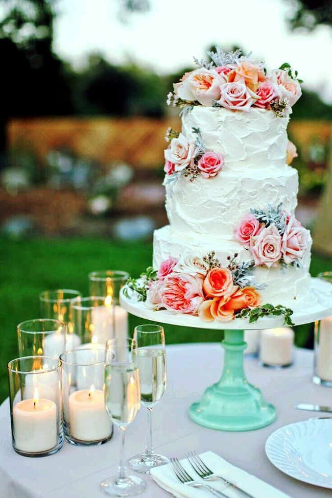 Wedding cake 🎩👗❤️ Vertical Flower Table Focus On Foreground Wedding Cake Sweet Food Celebration Indulgence Food And Drink Dessert Wedding No People Close-up Freshness Food Indoors  Wedding Reception Ready-to-eat Day God Is Great. Groom And Bride Groom Photoshoot Bridal Photoshoot Sparkles ✨ Wonderful