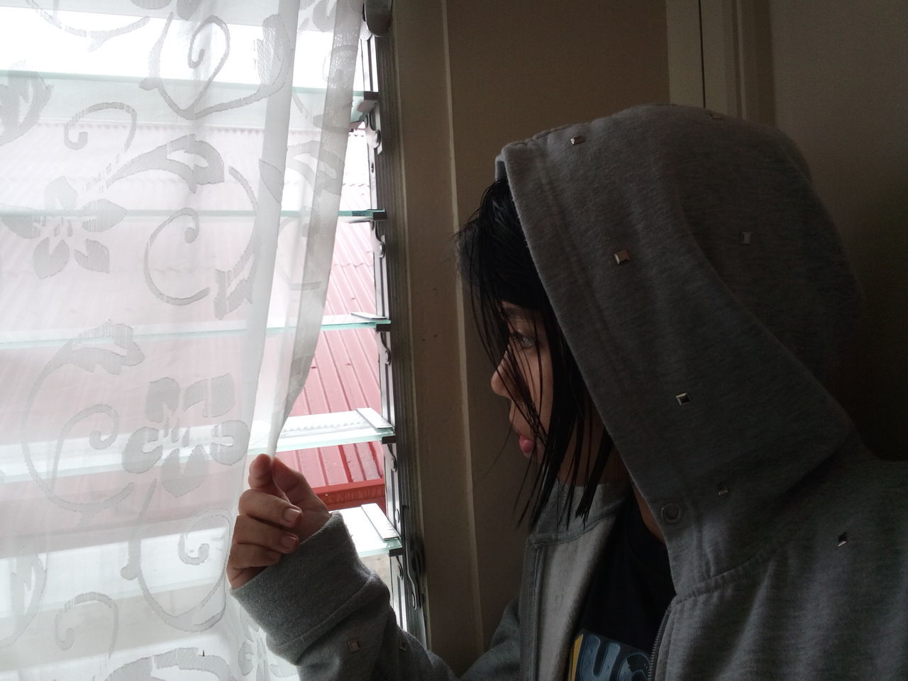 Cold Days One Person Hooded Shirt Human Body Part Adult Young Woman Peeping Hood - Clothing Looking Through Window Rainy Weather EyeEm