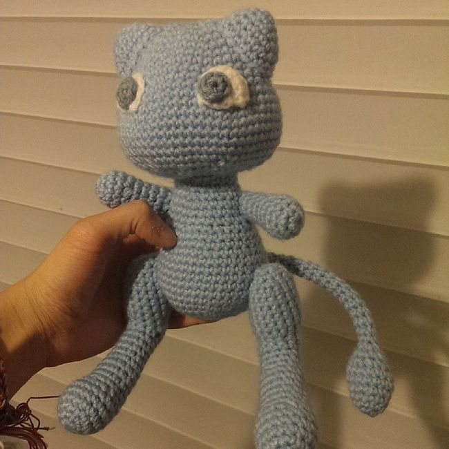 Shiny Mew for today. Mew Pokémon Pokemoncrochet Shiny crochet crafternoon amigurumi tamillivanilli