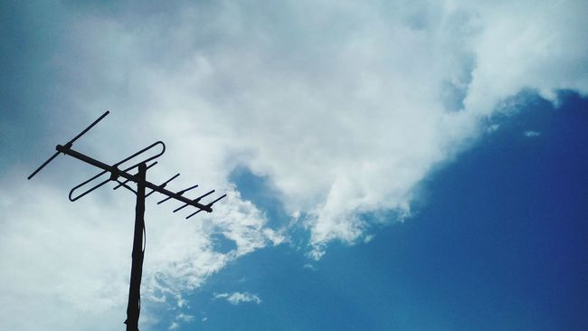 clouds in the hot summer makes u happy....