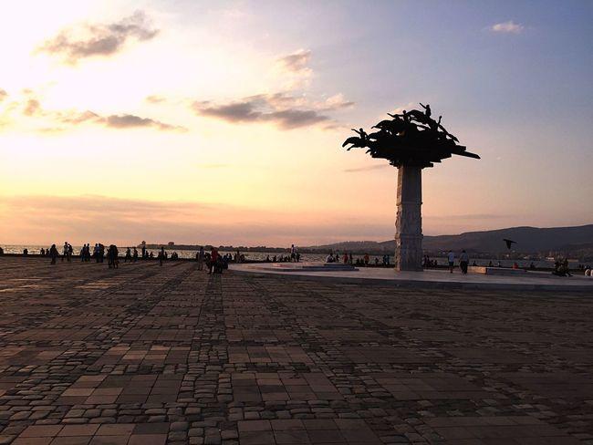 Izmir Alsancak Alsancak Kordon Izmirlife Turkey Turkeystagram Sea Sunset Tourism Sky Lifestyles Cloud - Sky Pier Paving Stone Dramatic Sky Türkiye Akşam Men Tranquil Scene Izmirdeyasam