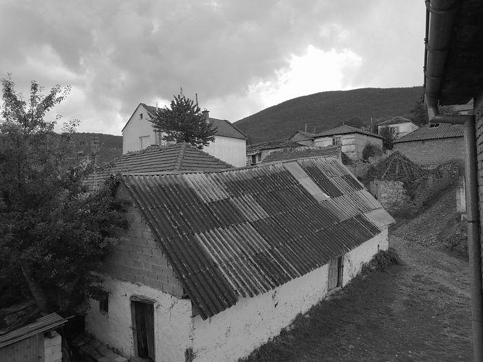 Kosovo Hello World Holiday Favelas Myhome