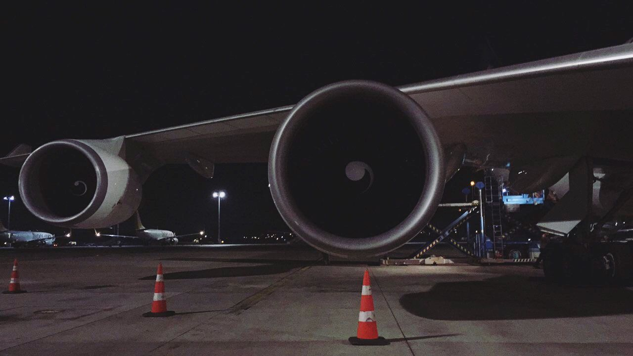 transportation, airplane, part of, commercial airplane, air vehicle, airport, airport runway, engineering, airport terminal, aerospace industry, journey, public transport