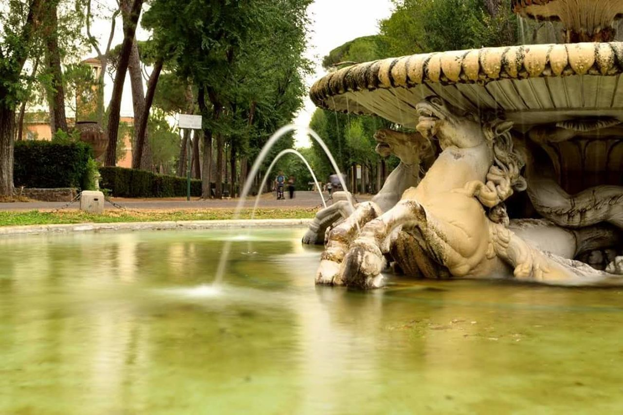 Water Fountain Park - Man Made Space Roma Villa Borghese Park