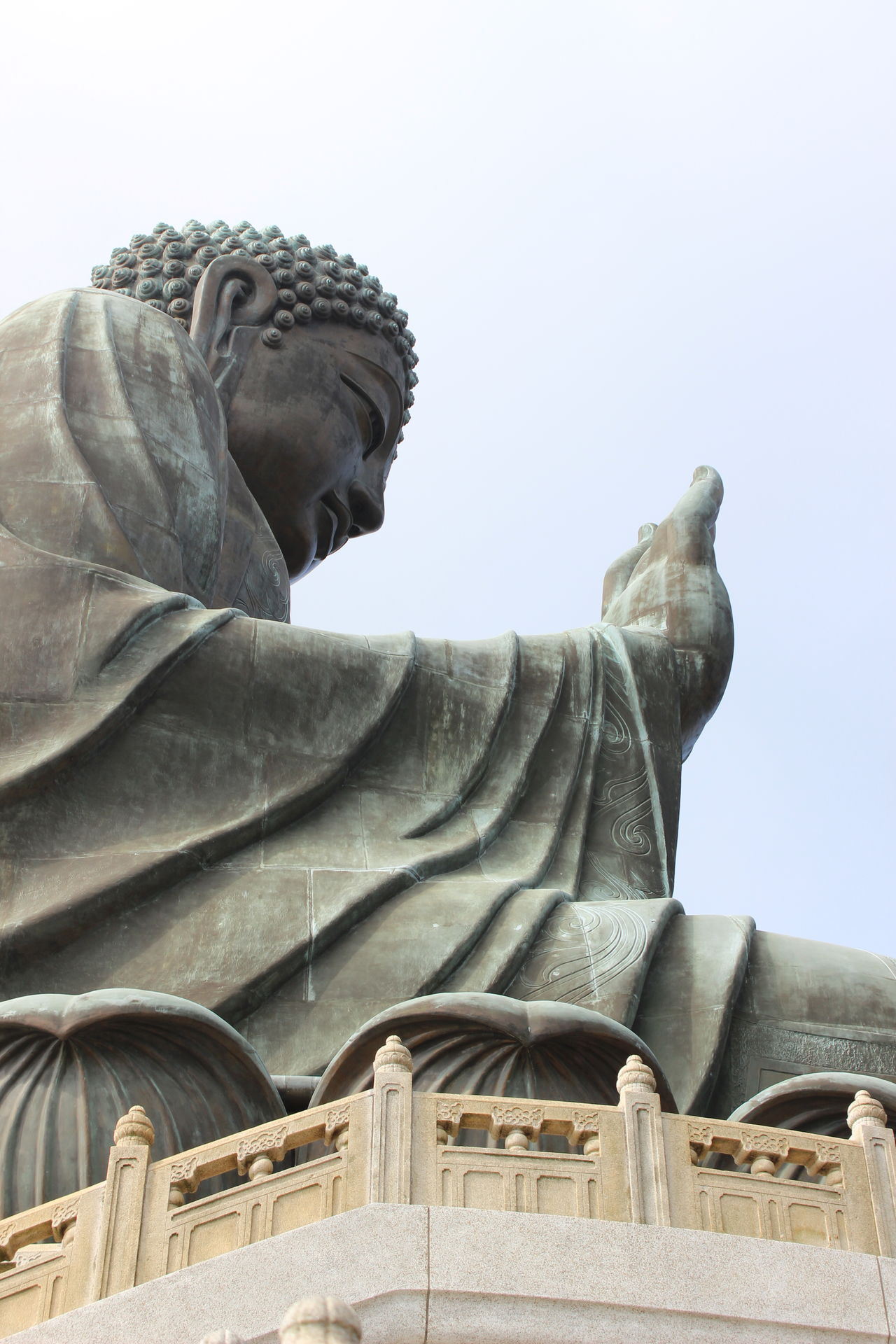 Statue Human Representation Sculpture Low Angle View Outdoors Sky No People Representing Day Tian Tan Buddha (Giant Buddha) 天壇大佛 HongKong Travel Photography Cloud - Sky Travel Destinations Mountain Statue