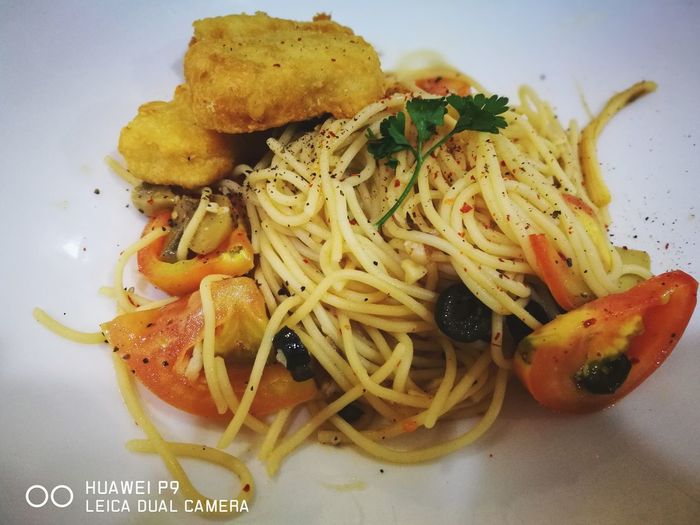 Food hunter. Agliooliopasta Food Ready-to-eat EyeEmNewHere Cafe Huaweip9photos HuaweiP9 EyeEm Selects