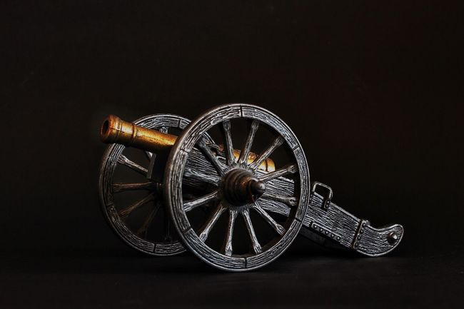 Canon EOS 600D DSLR Canon EOS 600D Cannon Cannons Cannonphotos Weapon Weapons Weaponsofwar Weaponry Weapons Of War Still Life Stillife StillLifePhotography StillLife Still Life Photography EyeEm Stilllife Model