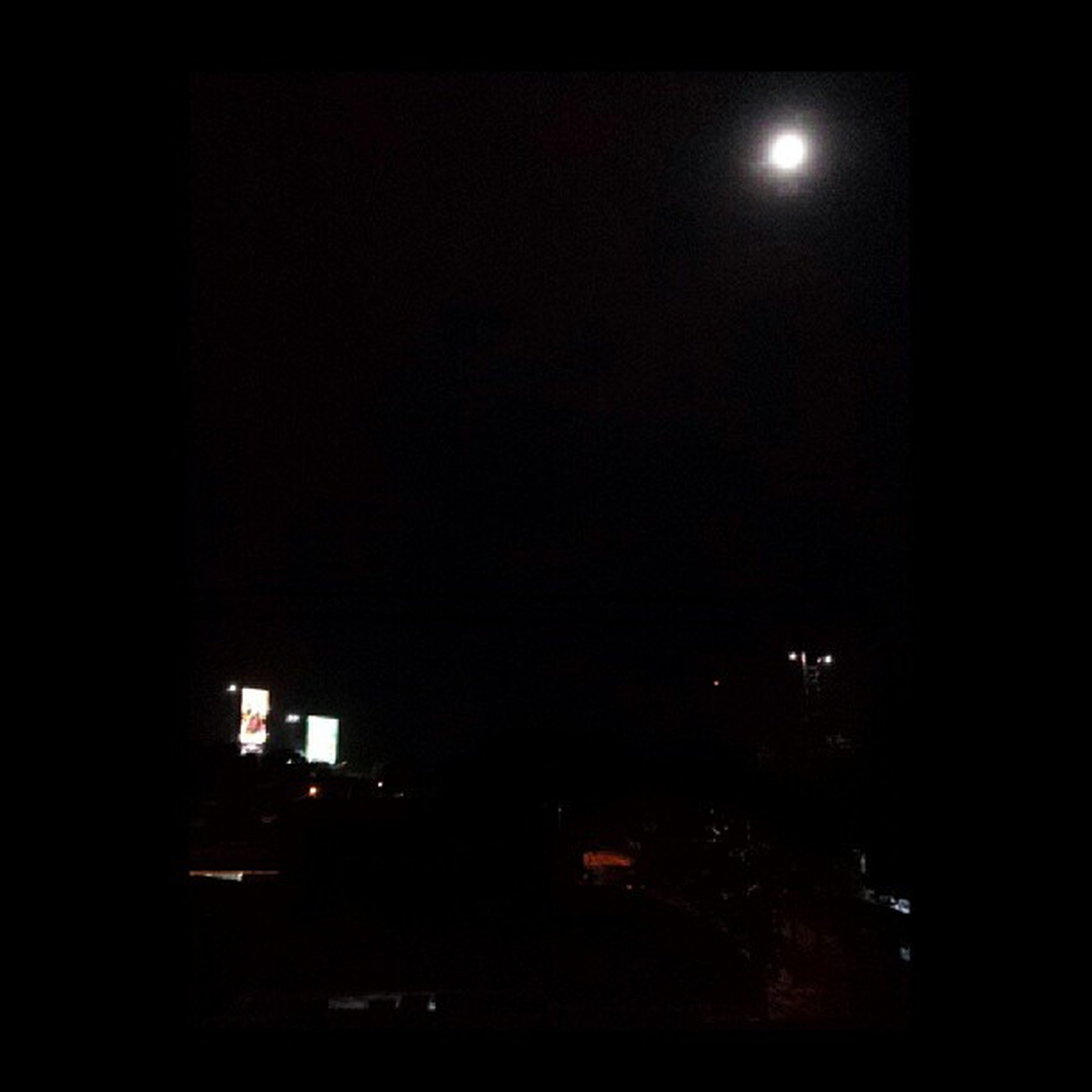 The moon is out and is beautiful tonight. Thank you Lord, the rain has stopped. Moon Viewfrompenthouse Aftermaring Aftertherain