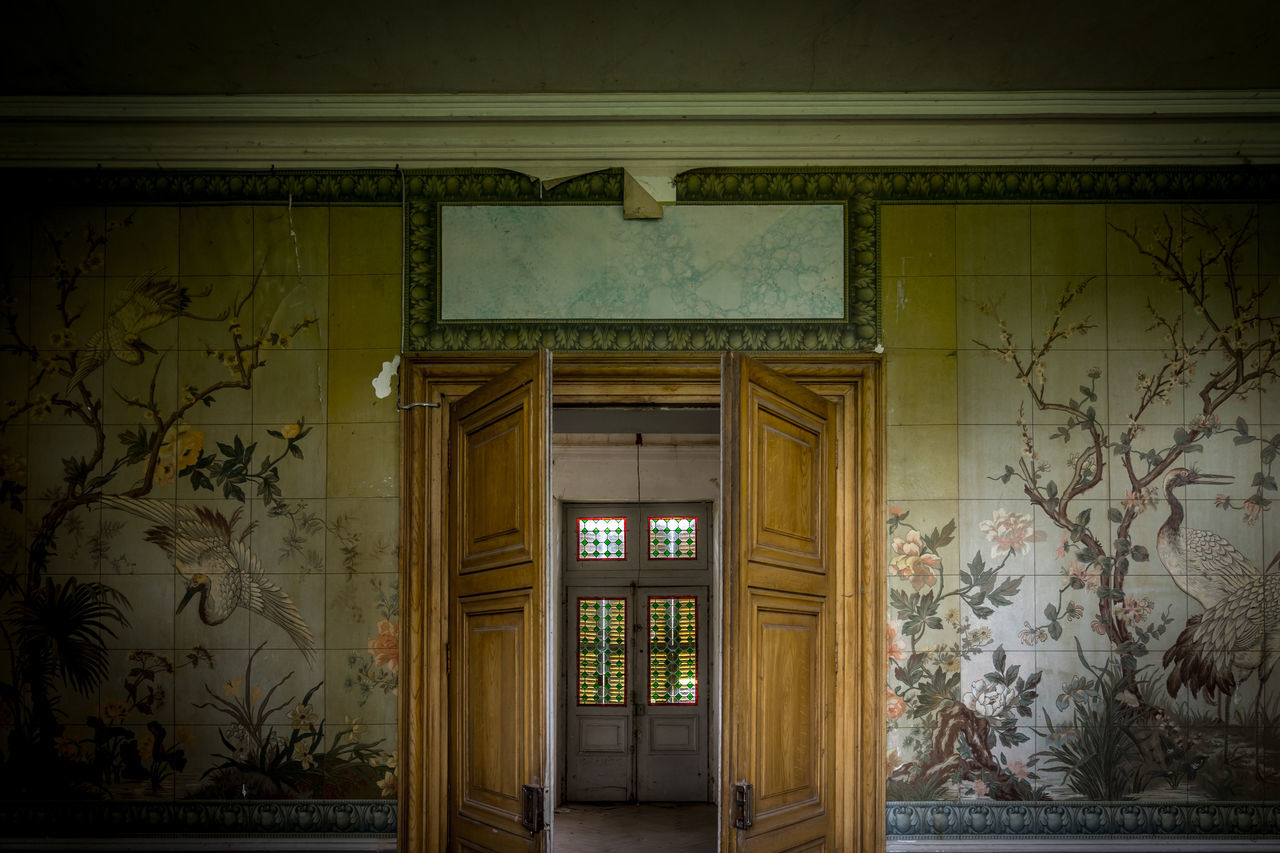 door, architecture, built structure, no people, indoors, entry, day