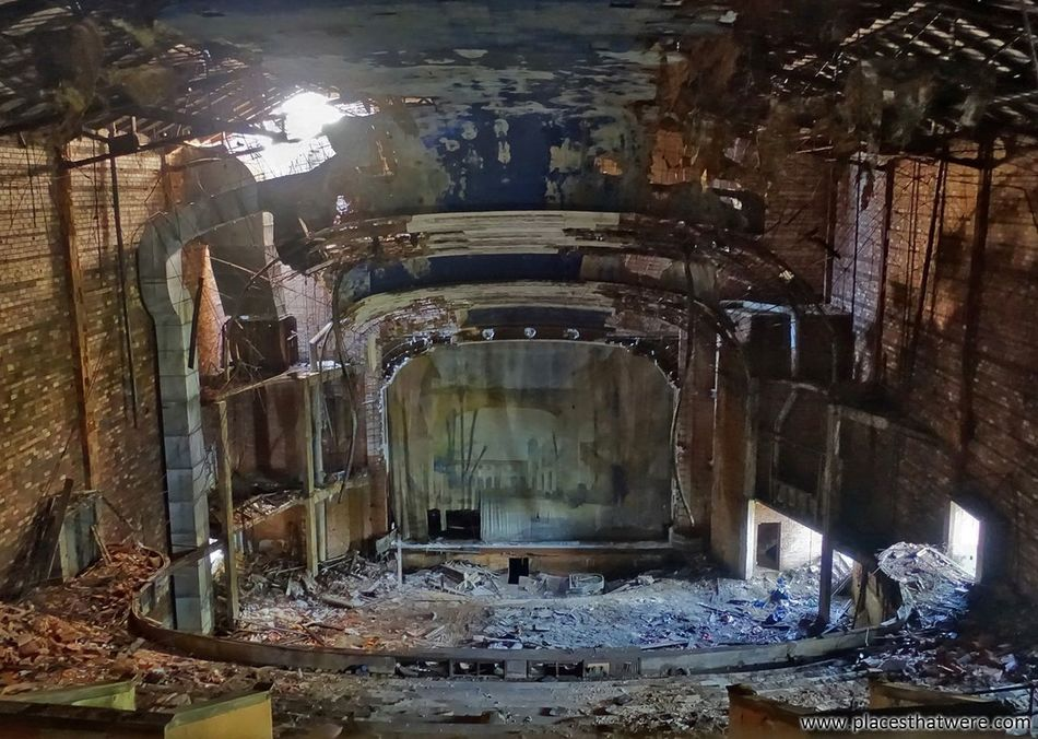 New Article: Palace Theater: An Eerily Beautiful Abandoned Relic of a Dying City http://www.placesthatwere.com/2017/03/palace-theater-abandoned-gary-indiana.html Movie Theater Movie Palace Forgotten Place Urbex Abandoned Building Architecture Abandoned Theater Abandoned Abandoned Buildings Abandoned & Derelict Creepy Ruins Indiana Palace Theater Dark Rust Belt Palace Theatre  Eerie Beautiful Theater Urban Decay Decay Abandoned Places Eerie Urban Exploration Forgotten
