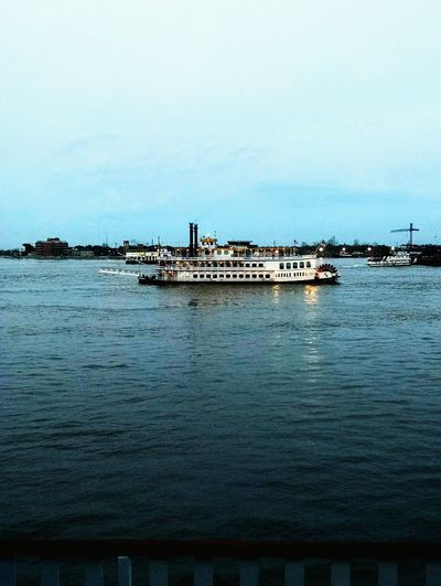 The Creole Queen. Another Steam propelled boat. Check This Out Hello World Relaxing Enjoying Life Boats Mississippiriver Watervistas River View