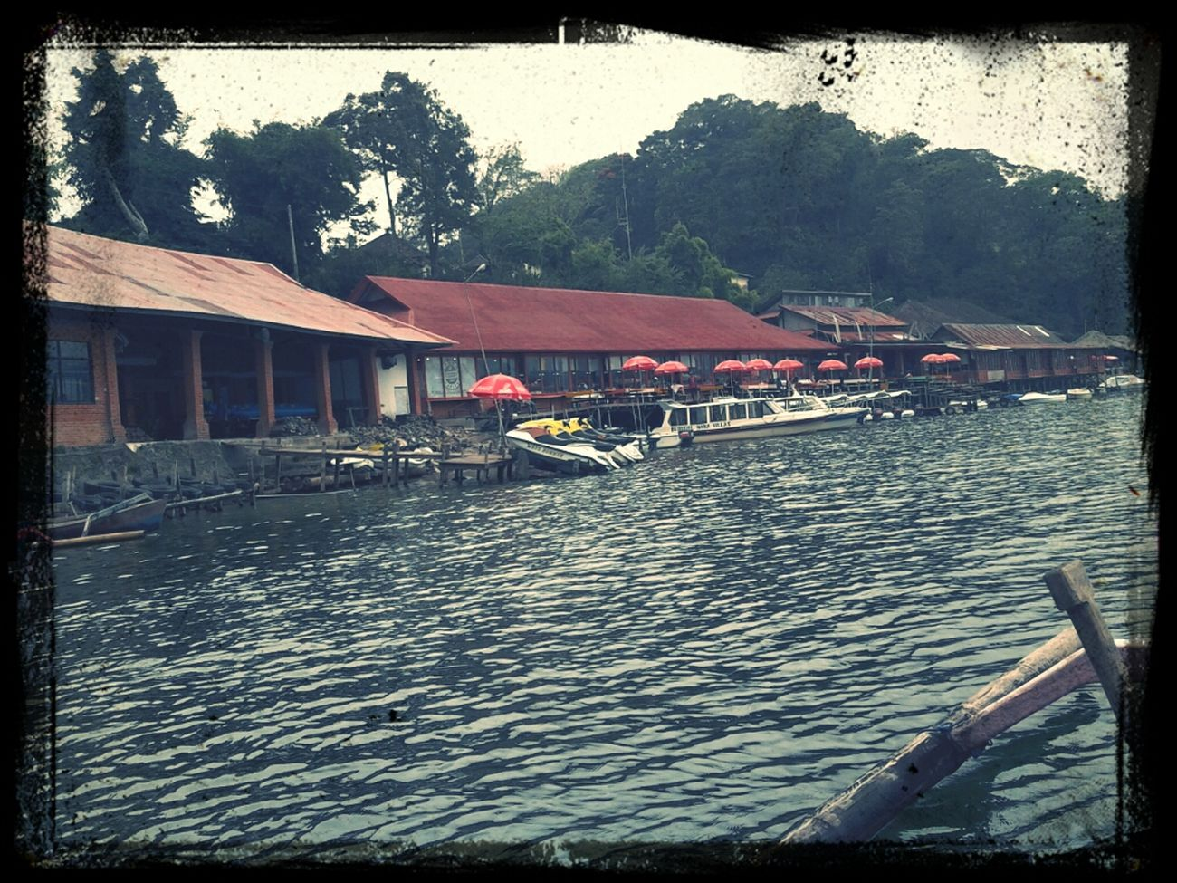 Borrow A Boat @beratan Lake Bedugul