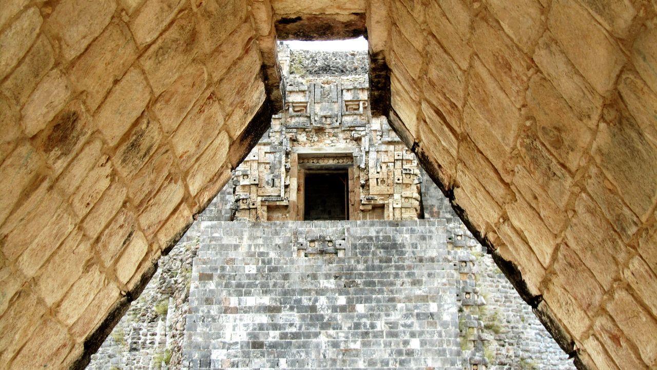 Monte Alban Yucatan Mexico Mexico Mérida History Etnography Antropology Stones Rituals & Cultural Culture Perspective