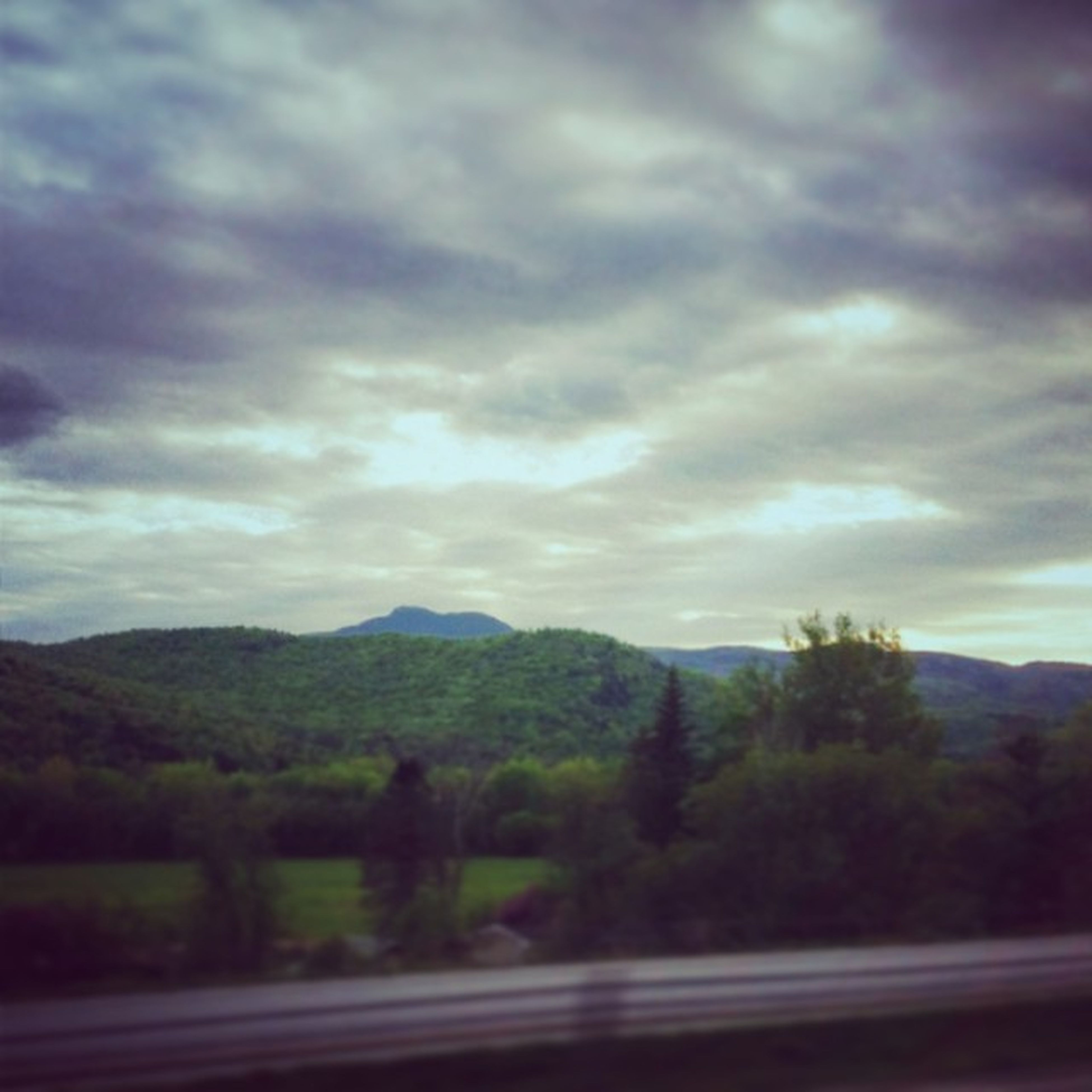 Even Vermont interstate views are awesome. Roadtrip Camelshump I89 Worktrip goodtimes vt vermont vermontshots vermontbyvermonters vscocam vscogood vsco instagood instagramusa ig_treasures vtshots igvermont ignewengland cloudporn cloudscape beautiful mountains greenmountainstate latergram