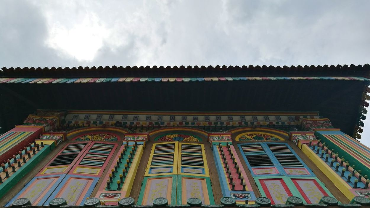 Shophouses  Travel Destinations Built Structure Photograph Like Painting Wanderer Singapore View Leica Lens Wandering Around The City EyeEm Gallery Huaweiphotography Eyeem Singapore Low Angle View Looking Up Architecture Wanderlust Tourist Destination Tourist Attractions Art Is Everywhere Asian Cities ASIA HuaweiP9 Wandering Around Aimlessly Sky And Clouds Urban Photography