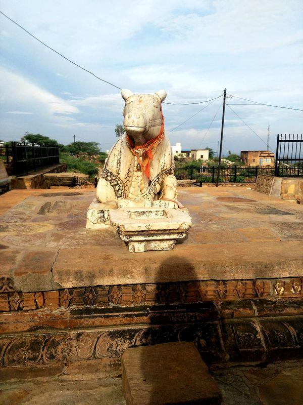 Nandi Loardshiva Sculpture Sky Art And Craft Art History Temple History