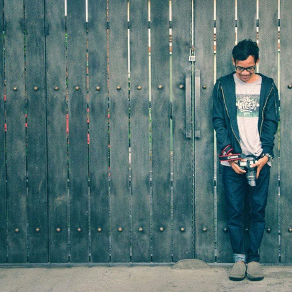 Standing solo for challenge @gasbiloetnicwear @pojokrupastudio Gasbiloetnicwearchallenge Pojokrupastudiochallenge