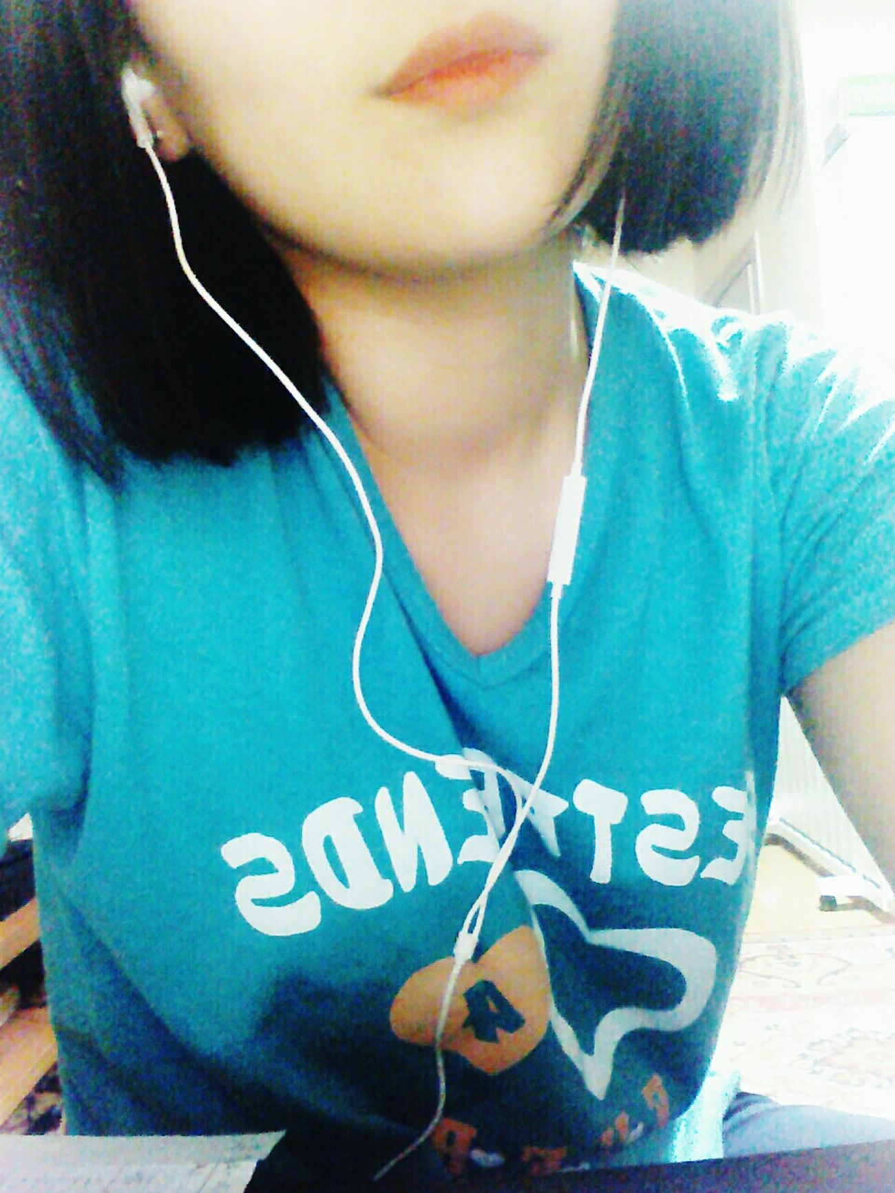 Red Lips Earphones In ❤ Selfie ✌ Half Me 😂 Short Hair Blue Shirt Best Friends Boring Time