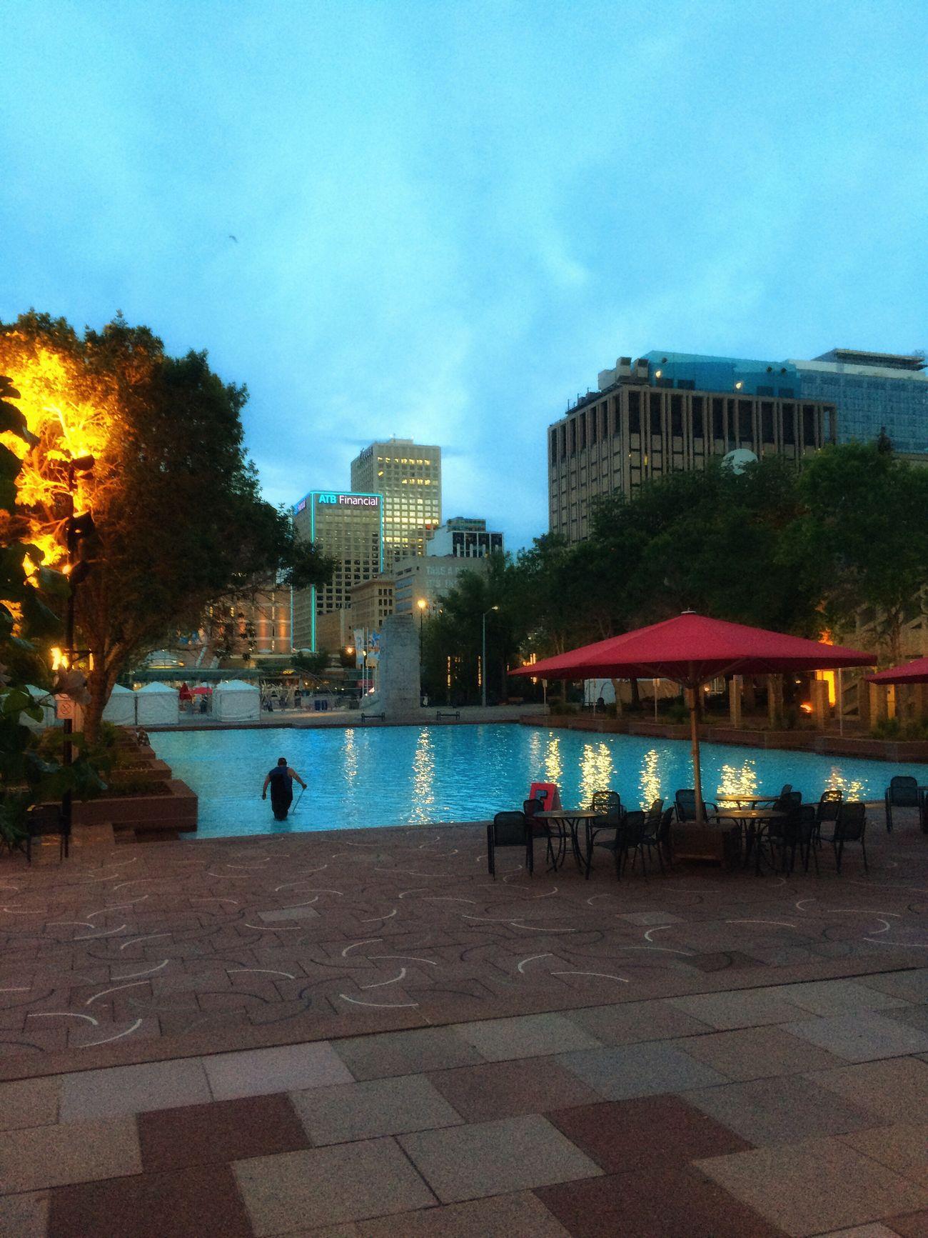 Wading pool, 10:30 p.m. Water Dusk Crépuscule Cityscape