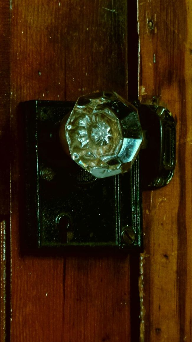 Doorknob Wood In Last Century Hand Blown Crystal Art And Craft Bungalow Find Urban 4 Filter