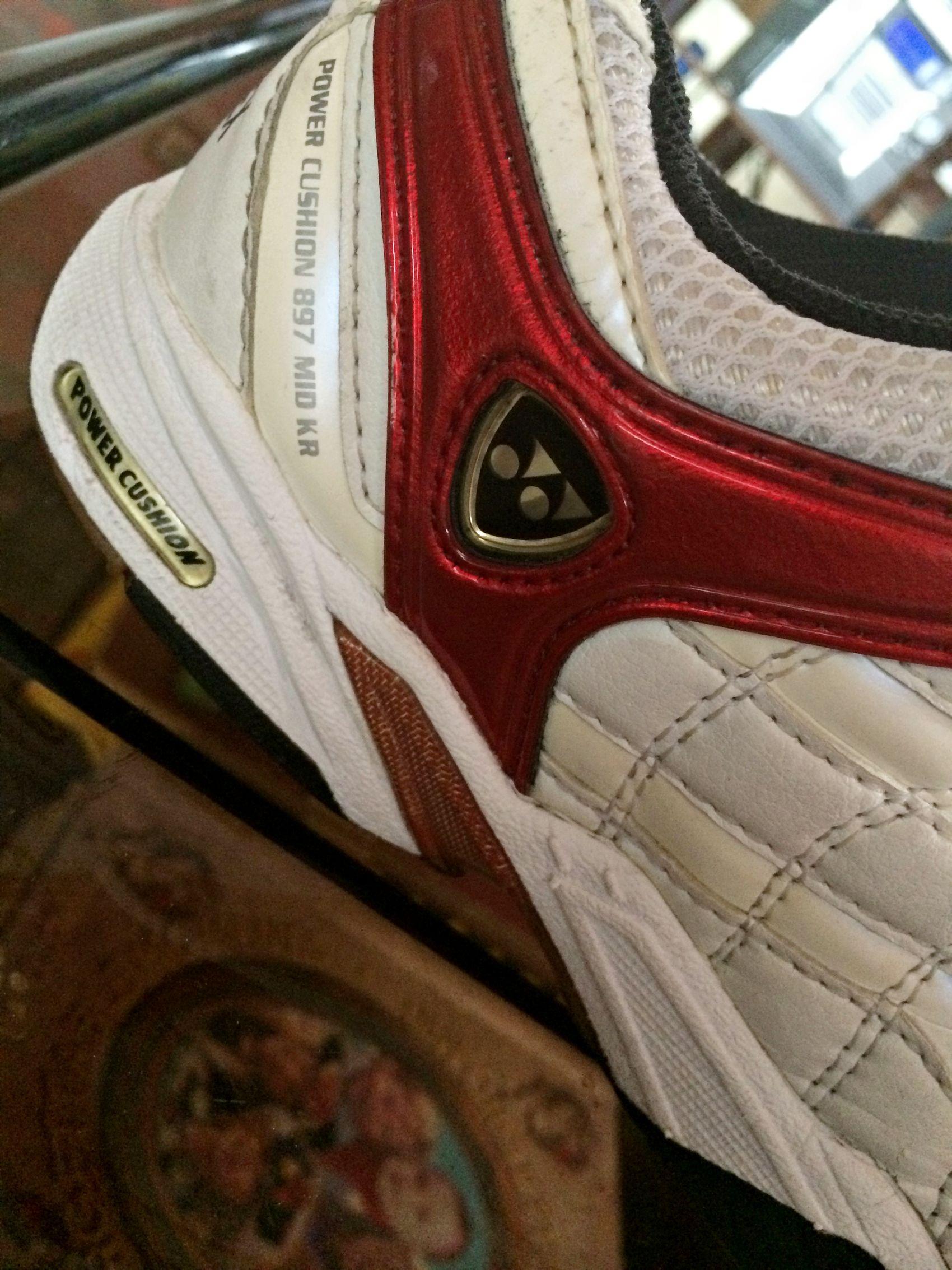 Birthay gift. Badminton Shoes Yonex