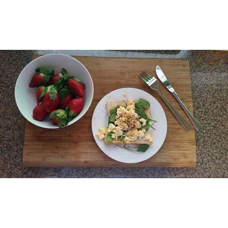 C A N . breakfast. 🍓🍓☕ Lovethatlateshift