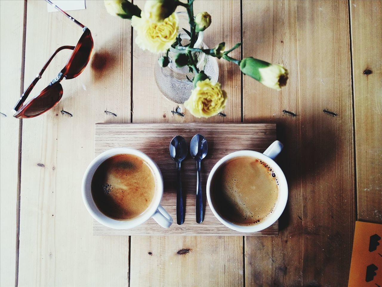 EyeEm Selects Coffee - Drink Food And Drink Coffee Cup Drink Table Directly Above Wood - Material High Angle View Freshness Indoors  Refreshment No People Studio Shot Food Healthy Eating Flower Sweet Food Day Close-up Ready-to-eat The Week Of Eyeem EyeEm Gallery Light And Shadow.