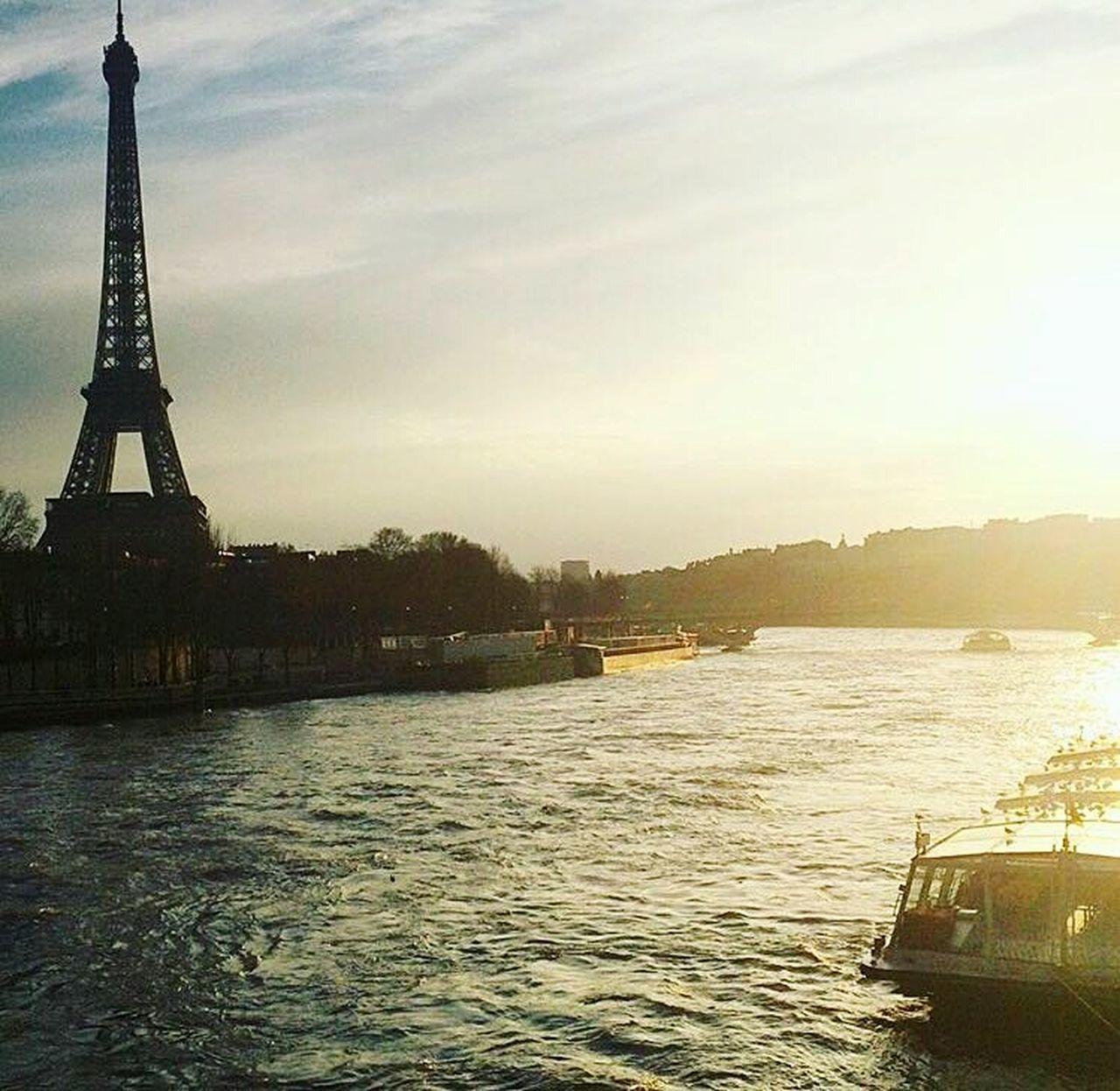 PARIS Europe Paris ❤ Paris, France  Paradise Parisweloveyou Parispics Parisjetaime Paris Je T Aime Paris.fr France 🇫🇷 France French Efilettower Efil_tower Battle Of The Cities
