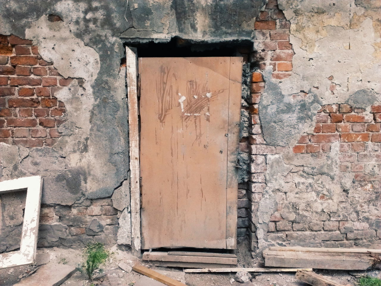 door, brick wall, architecture, built structure, no people, day, weathered, building exterior, outdoors, close-up