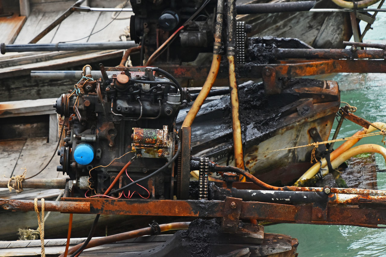 Typical engine of Thai longtail boat Ang Thong National Marine Park Angthong Boat Dirty Engine Ethnic Fisherman Boat Fishermanvillage Fishermen Boat Fishermenvillage Grunge Local Longtailboat Motor Old Rusty Spotted In Thailand Thai Traditional Village